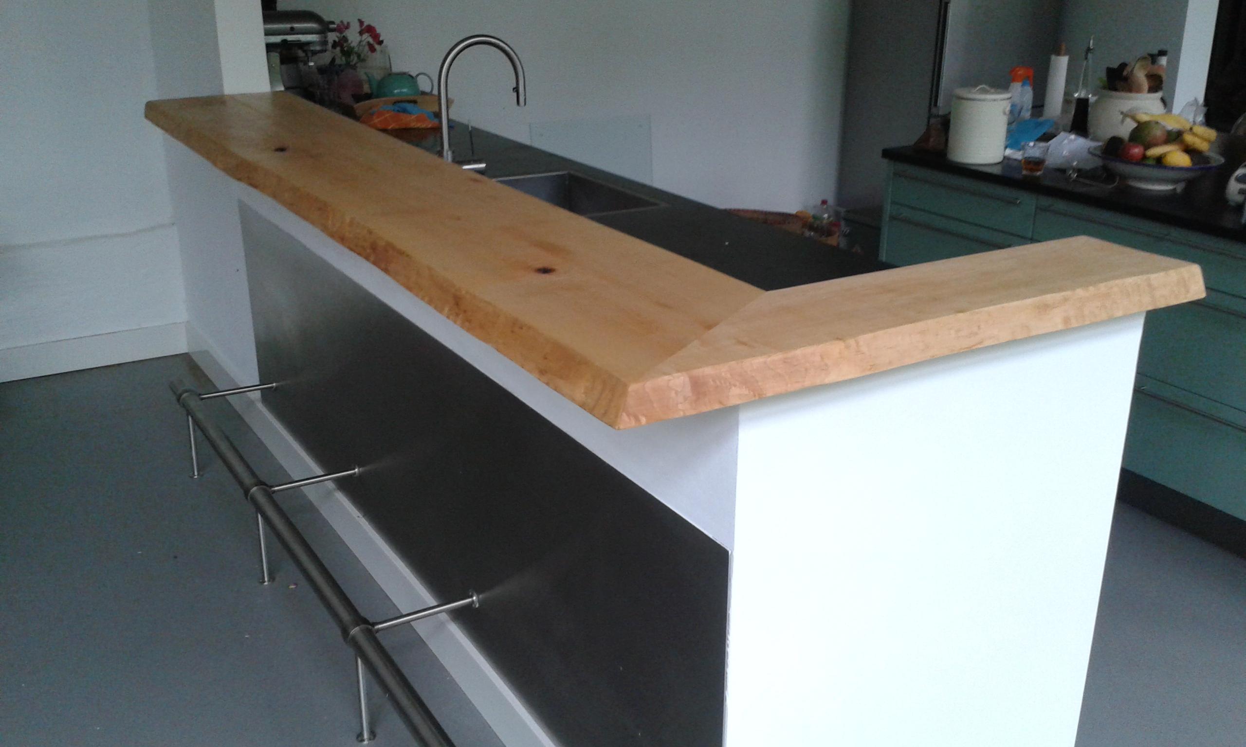 Hebben paul s unieke meubelen en ontwerpen u ge nspireerd - Uitgeruste keuken met bar ...
